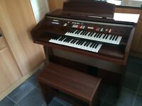 TECHNICS U30 ELECTRONIC ORGAN,STOOL AND LOTS OF MUSIC BOOKS