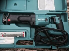 Makita Recipro Saw JR3050T. Used only a couple of times, in excellent condition.