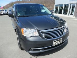 2012 Chrysler Town & Country Touring *Power Options *Navigation