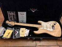 Fender Custom Shop Custom Classic (05) Stratocaster - Natural - Near Mint - Case and Candy!