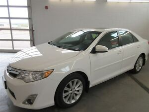 2014 Toyota Camry XLE! BACK-UP! ALLOY! NAV! LEATHER!