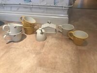 N xs bee mine mugs honey out and butter dish tea set