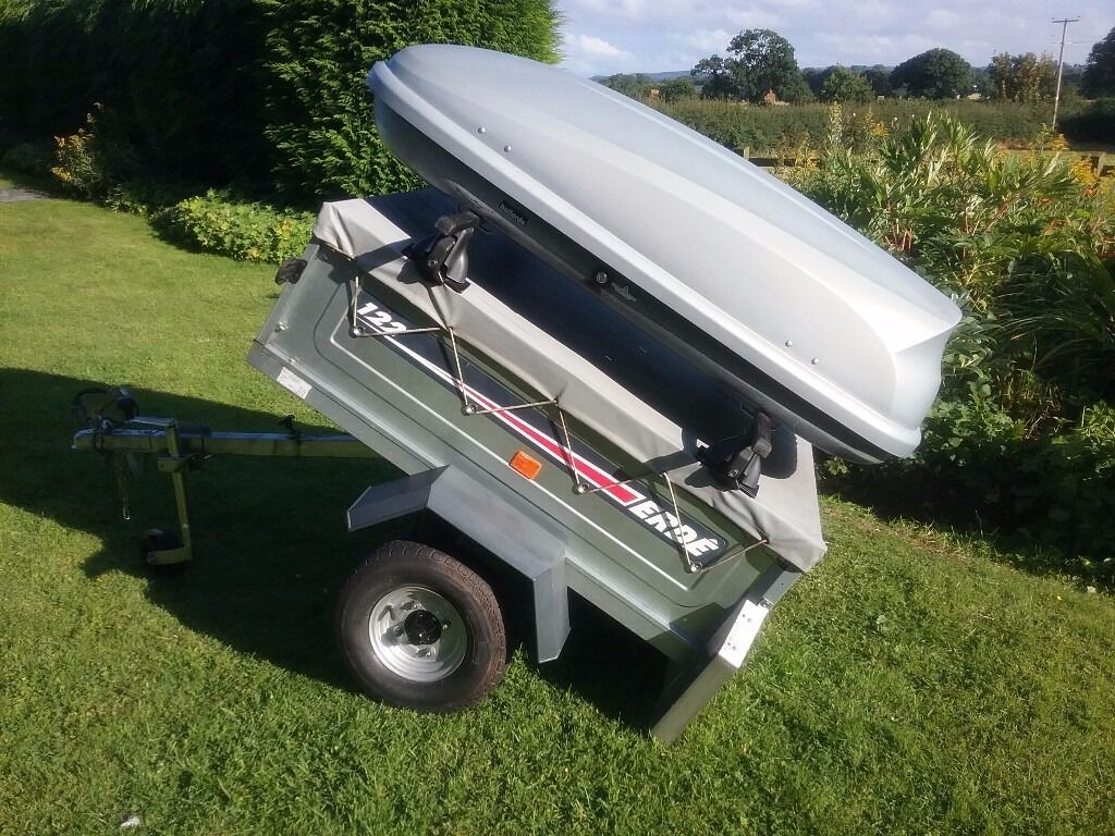 Erde 122 Trailer Including Roof Box And Bars In