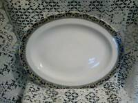 Royal Doulton serving dish & 6 dinner plates