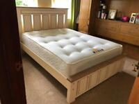 New**Cream/oak 5ft solid chunky bed frame