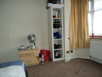 CLEAN AND LOVELY DOUBLE BED ROOM, 5 MINS TO BRIMSDOWN STATION, CLOSE TO ALL AMENITIES, £120 P/W