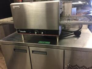 LINCOLN IMPINGER 1301 ELECTRIC CONVEYOR PIZZA OVEN, COUNTER TOP, 208V
