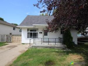 $199,000 - Bungalow for sale in Leamington