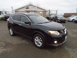 2014 Nissan Rogue SV AWD Sunroof Loaded
