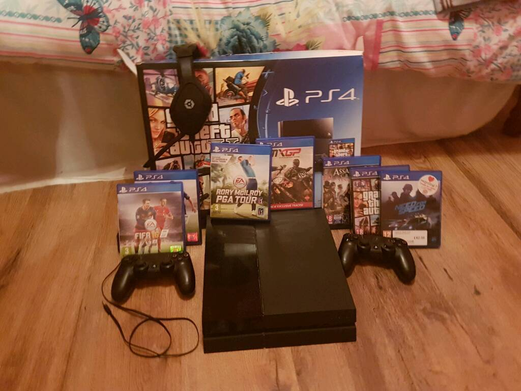 Ps4 (1 year old)