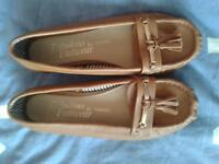 Tan womens loafer style shoes size 7