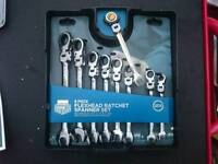 Halfords Advanced professional flex head ratchet spanner set