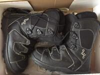 Salomon IVY snowboard boots size 5.5