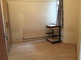 SINGLE ROOM FURNISHED NEW, ATTACH BATH W/C, HA5 5DX RENT £400/M + BILLS £125 PLS.CALL07841771570