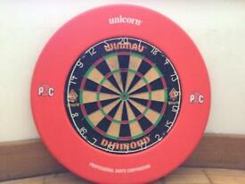 Winmau Diamond Dart Board and Unicorn competition border. (Wall bracket included)