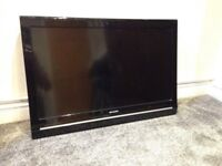 "Sharp 32"" inch LCD Flatscreen TV with built in Freeview tuner and wall mounting bracket LC-32SH130K"
