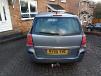 2006 low mileage Vauxhall Zafira 1.6 petrol with front end damage for spares or repairs