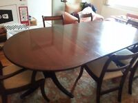 solid wood dining table with 6 chairs in very good condition, grab a Bargain! open to offers