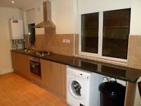 DOUBLE ROOM TO RENT IN A MODERN AND QUIET HOUSE OFF NARBOROUGH ROAD, BILLS INCLUSIVE