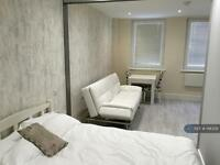 1 bedroom flat in Station Road, Gerrards Cross, SL9 (1 bed)