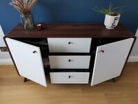 Sideboard in walnut and white wood