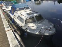 Cabin Boat with 4 stroke outboard engine