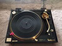 1 X Technics SL-1200 LTD - Limited Edition 24k Gold Plated Turntable