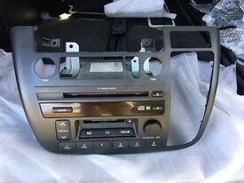 Nissan Elgrand E51 Integrated Radio/CD/Minidisc player