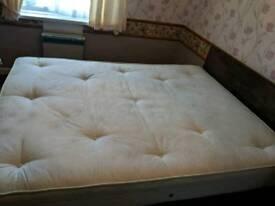 Velour divan and mattress