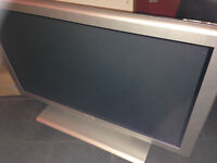 """PHILLIPS 43"""" FLAT SCREEN T.V.WITH ORIGINAL STAND=6MONTHS OLD=VGC"""