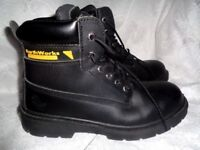 EARTH WORKS SAFETY FOOTWEAR STEEL TOE WORK BOOTS SIZE 8 WORN ONCE BOUGHT TOO SMALL