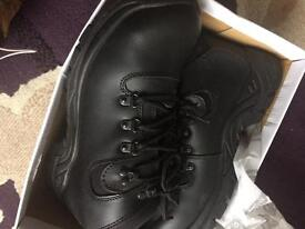 Dickies size 8 safety boots