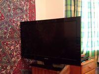 "32"" Toshiba 720p HD LCD TV"