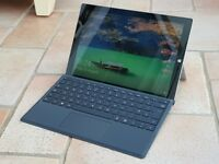 Microsoft Surface Pro 3 I7 8gb Ram, 256gb SSD in excellent condition