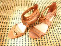 Brown wedge shoes size 4 - Madden Girl - Steve Madden