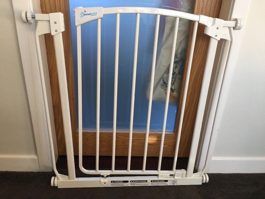 Dreambaby Baby Child Pet Narrow Safety Gate In Chryston