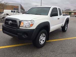 2011 Toyota Tacoma V6|Ext Cab|4x4|Mint Condition