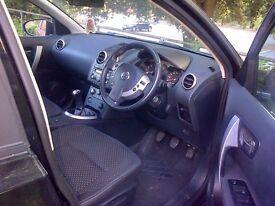 A Black Nissan Qashqai 2.0 Acenta 4WD 5dr