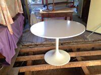 Tulip Dining Table - Mid Century Design
