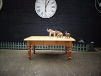 SOLID PINE FARMHOUSE COFFEE TABLE VERY SOLID ND STURDY IN EXCELLENT CONDITION 106/53/48 cm £45