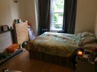 Large double room in West Ealing. £650 pm inc bills.
