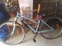 Decathlon 21 geared woman's bike