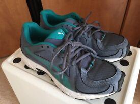 Ladies/Girls Puma running shoes Size 3