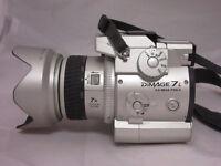 Minolta DiMAGE 7i DIGITAL CAMERA - Silver - Beautiful condition careful owner