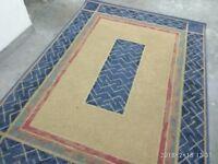 large rug L228cm x W167cm good condition