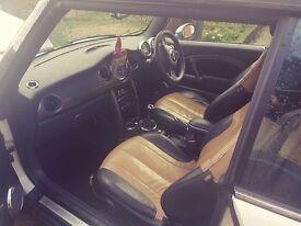 MINI CONVERTIBLE- Leather interior