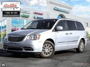 2013 Chrysler Town & Country Touring-L *LEATHER, NAV & SUNROOF*