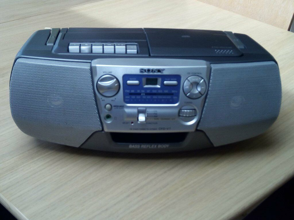 GOT CDs and TAPES? Sony SILVER CFD-V7 CD Player, FM AM Radio, Cassette  Player in Excellent Condition | in Poynton, Manchester | Gumtree