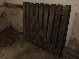 Oak gate. (Used)