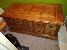 Beautiful Solid Oak Coffee Table with storage